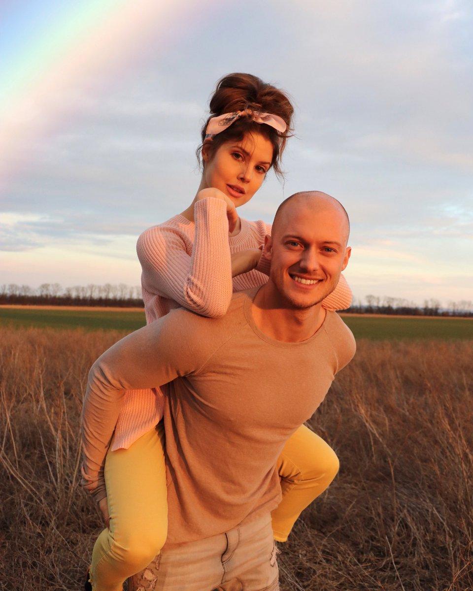 Amanda Cerny with boyfriend Johannes Bartl