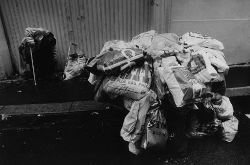 caddie du vagabond logement sans abri sdf sans domicile fixe dormir franck chevalier