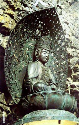 弥勒菩薩像(これはパンフレットの写真)
