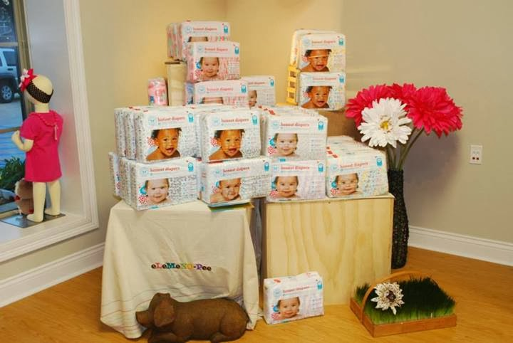5379d19ec17 The Honest Company is notoriously popular in the natural parenting  community for their disposable diapers and wipes. Even cloth diapering  families admit to ...