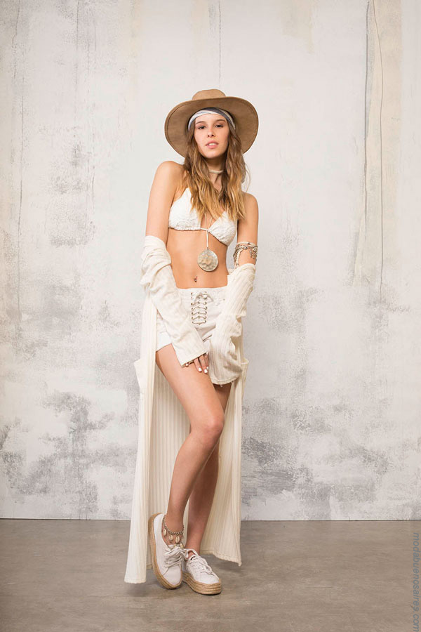 Bikini, short y spolverino 47 Street, Los mejores looks del verano 2017. Moda by 47 Street.