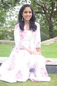 Ritu Varma dazzling in white n white-thumbnail-11