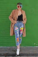 http://www.karyn.pl/2018/01/bezowy-paszcz-i-jeansy-z-nadrukiem.html