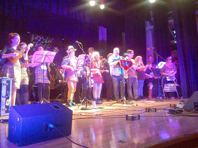 Mass singalong at Grand Northern Ukulele Festival