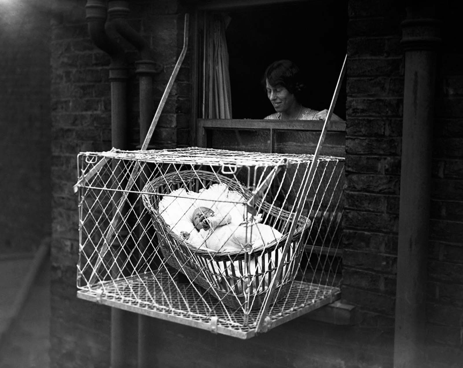 The fad proved to have some staying power, they even produced pun-filled promotional video espousing the benefits of baby cages. 1940.
