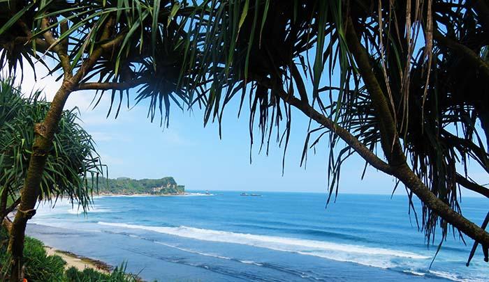 Spot Foto Favorit di Pantai Nampu
