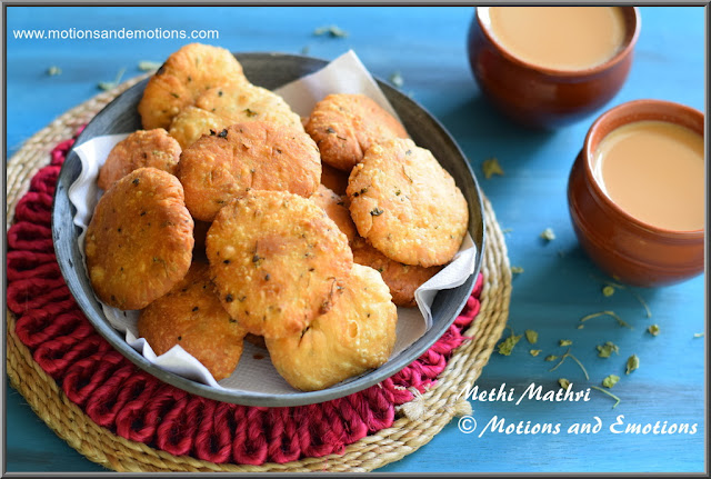 Crispy crunchy methi mathri