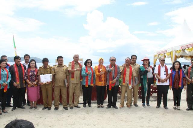 Pantai Lumban Bulbul Tak Kalah Indah dari Bali