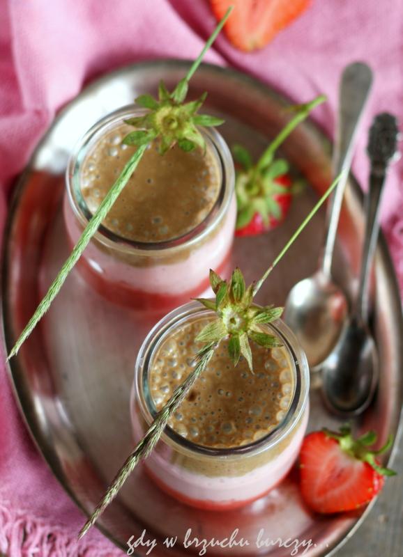 orzeźwiające smoothies z truskawkami