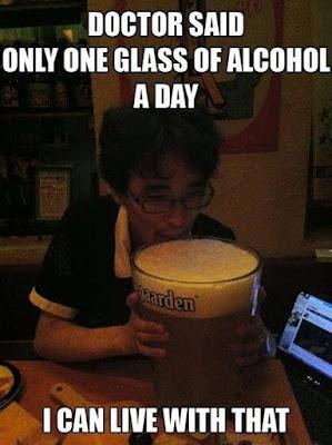 lustige Bilder mit Sprüchen Doktor sagt nur ein Bier - großes Bier