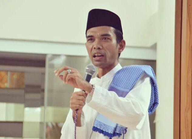 Apakah Makan Membatalkan Wudhu? Berikut Penjelasan Ustadz Abdul Somad