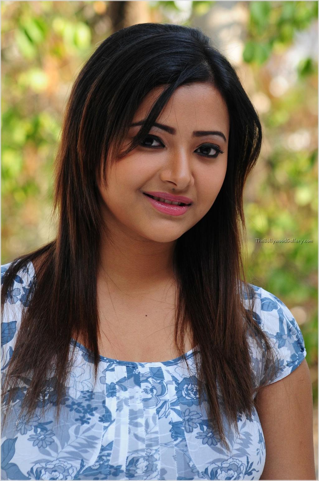 Telugu Cinema Wallpapers Swetha Basu Prasad Telugu Tamil -4543