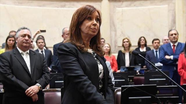 """Juez pide prisión preventiva para Cristina Kirchner por """"soborno"""""""