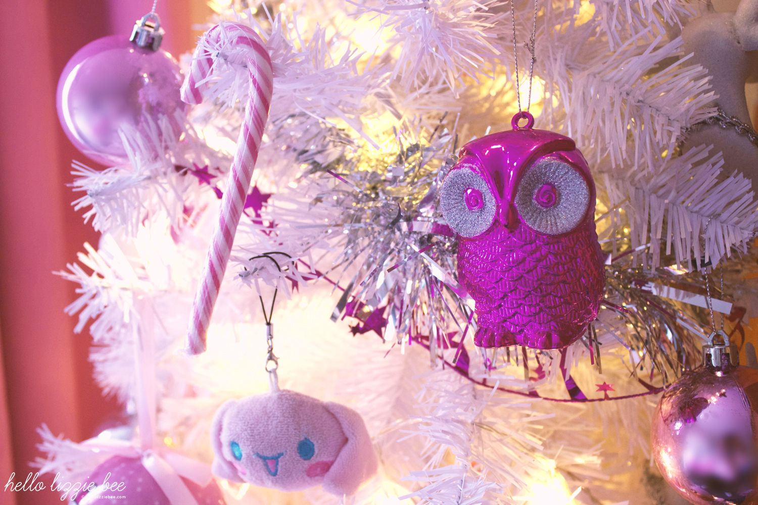 pink owl decorations, candy cane, sanrio, cinnamoroll