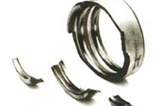 Поломка наружного кольца подшипника