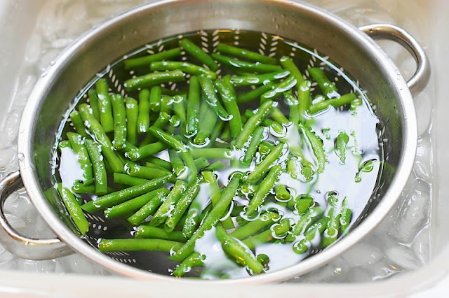 How to blanch green beans image