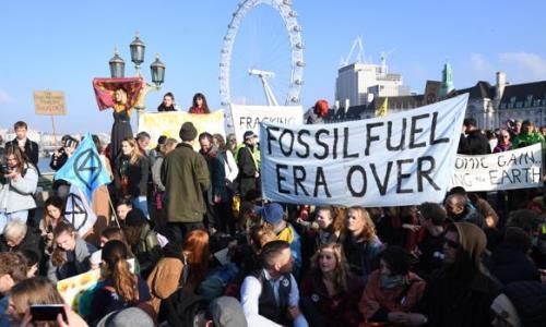 Inglaterra: bloquean cinco puentes en protesta por el CC