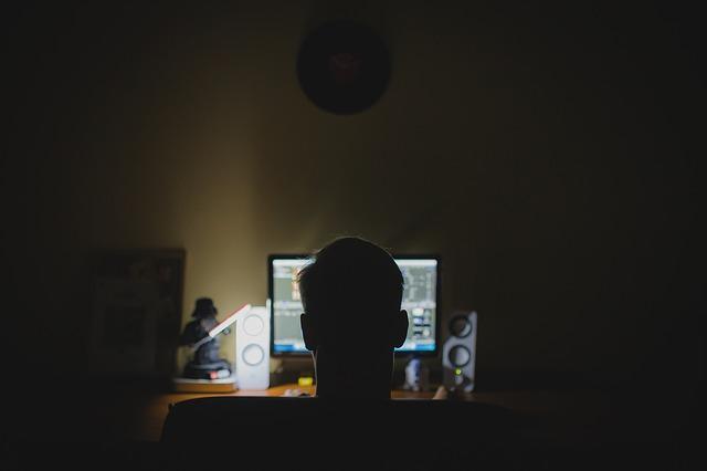 Belajar atau Bekerja di Depan Komputer dan HP 6 Tips Cara Sehat Main, Belajar atau Bekerja di Depan Komputer dan HP