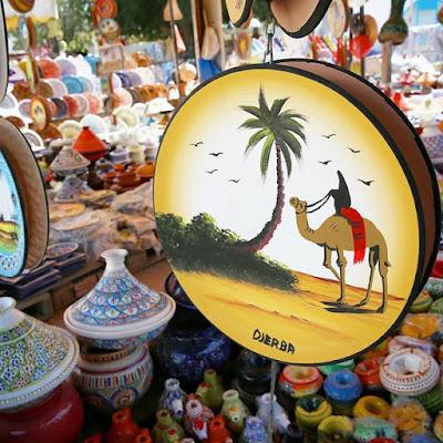 Souvenirs de cerámica en Djerba