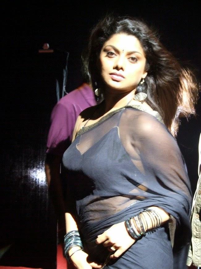 Kerala Aunty Latest Photoshoot - Hd Latest Tamil Actress -8104