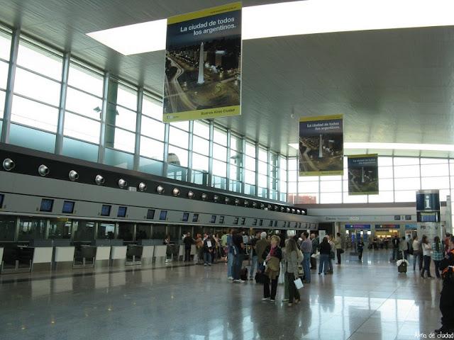 Quanto custa uma passagem aérea por região do Brasil para Córdoba