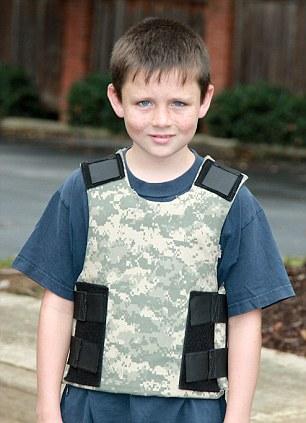 Les chroniques de rorschach les ventes de gilets et de for Best shirt to wear under ballistic vest