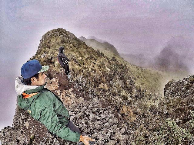 Michi-um-die-Welt Pasochoa Gewitter Wandern-in-Ecuador
