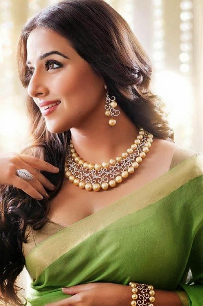 Vidya Balan 18 Hot  Beautiful Photos Download - Indian -7781