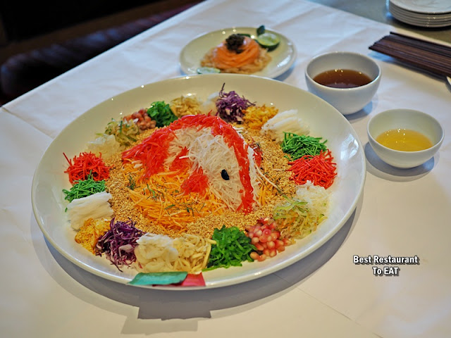 EQ KUALA LUMPUR Chinese New Year Set Menu - GOLDEN PHOENIX CLASSIC TASMANIAN SALMON AND TROPICAL CAVIAR YEE SANG 一本捞万利,
