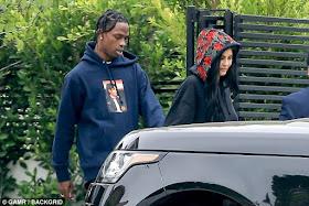 1j - Kylie Jenner and Travis Scott show massive PDA in LA