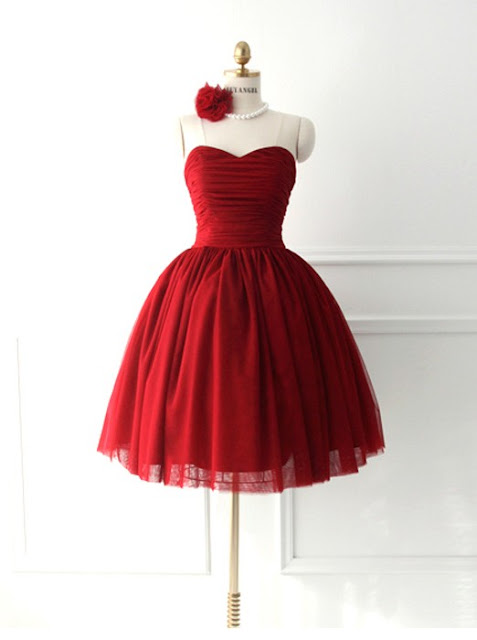 https://www.dresstells.com/sexy-ball-gown-sweetheart-knee-length-red-prom-homecoming-dress-with-ruched.html