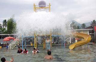 Wisata Pemandian Air Panas Cipanas Garut Yang Populer