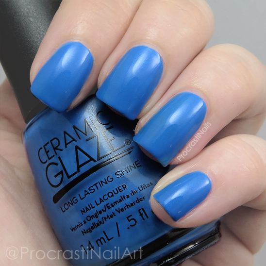 Swatch of the bright blue Ceramic Glaze French Riviera