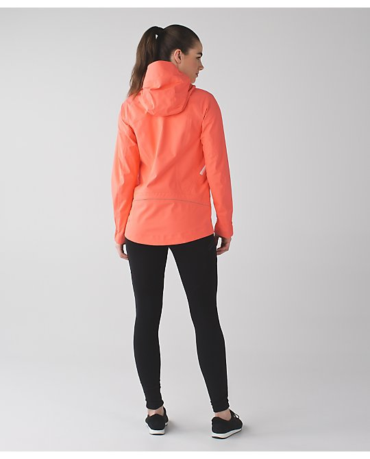 lululemon ain't-no-rain-jacket