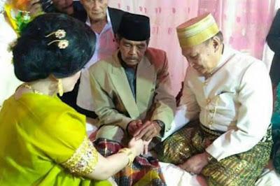 Kakek 70 Tahun Nikahi Gadis 25 Tahun dengan Mahar 1 Miliar Ini Bikin Heboh