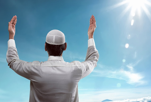 [Kajian Islam] Hukum Berdoa Mengancam Tuhan Karena Urusan Kekuasaan Duniawi