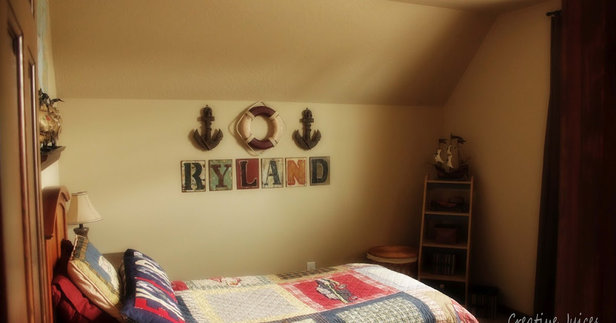 Creative juices decor themed bedrooms ships and sails for Dog themed bedroom ideas