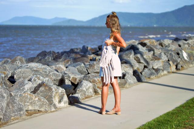 australian blogger outfit street style denim skirt