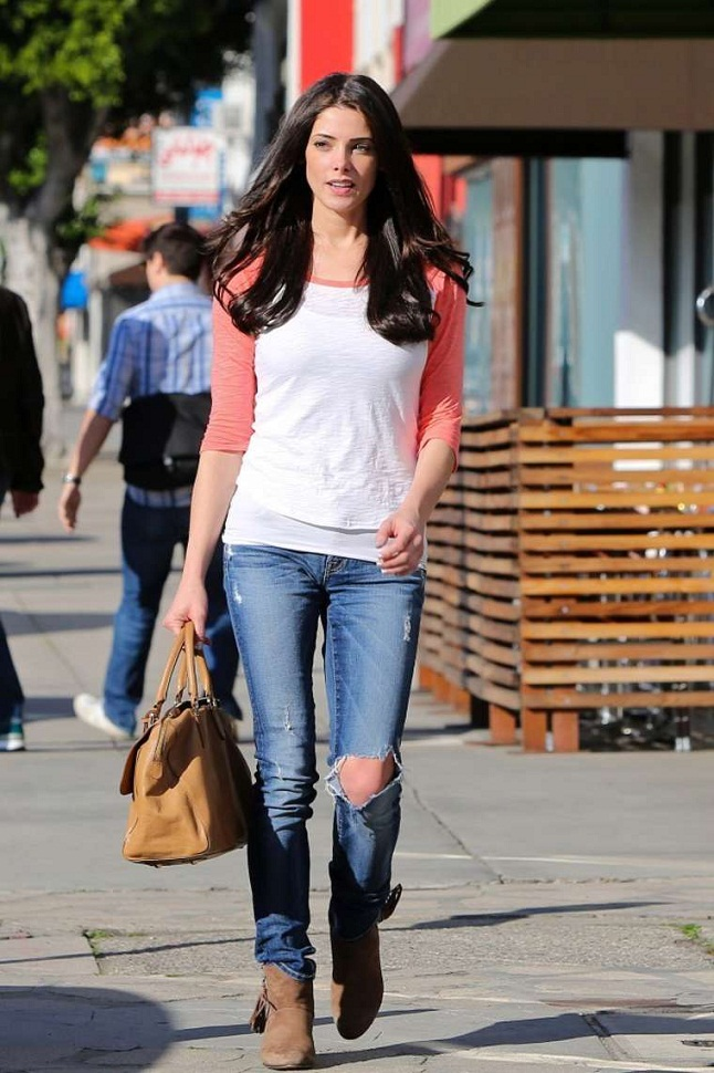 Ashley Greene Flaunts Casual Style Of Ripped Jeans And