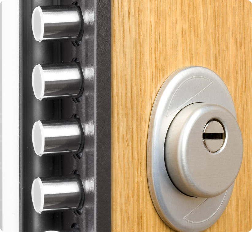 Puertas acorazadas tesa cerrajeros antequera 617 494 745 for Cerraduras para muebles de madera