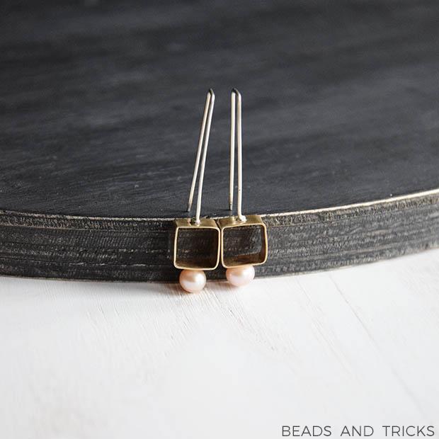 Orecchini in ottone, perla coltivata e argento