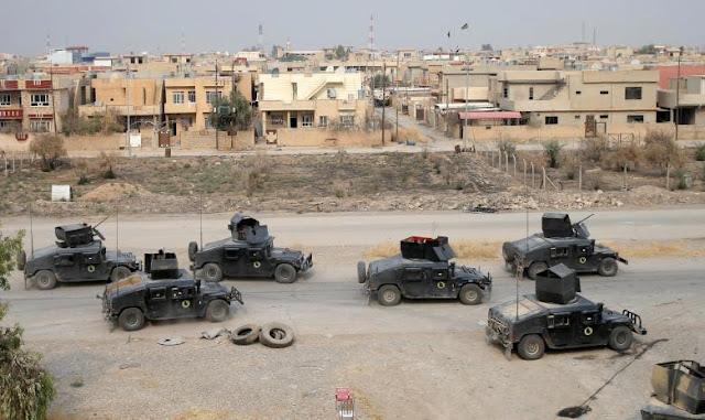 Serangan humvee tentara Irak di pinggiran kota Mosul