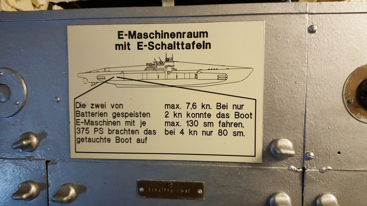 hight resolution of machine room the two e engines fed by batteries with 375 hp brought the submerged boat to max 7 6 kn