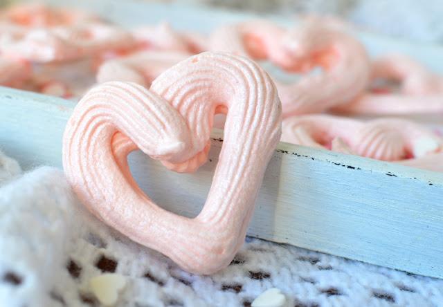bezy%2Bserduszka Bezowe serduszka na Walentynki