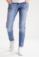 https://www.zalando.be/noppies-relaxed-fit-jeans-light-wash-n1429a01n-k11.html