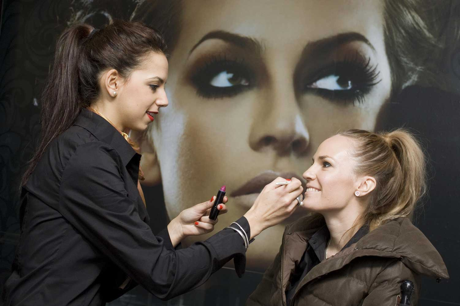 steps how to become professional makeup artist job career