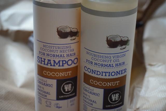 routine_capillaire_hair_routine_naturel_revue_avis_01_Urtekram_shampoing_après_shampoing_noix_de_coco