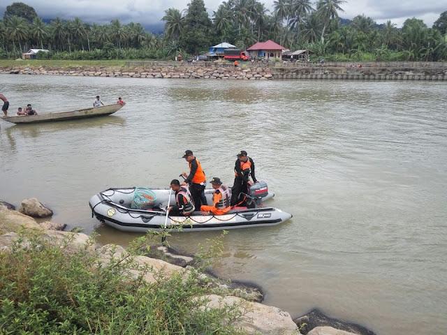 Tim Gabungan Terus Cari ABG yang Hanyut di Sungai Batang Anai