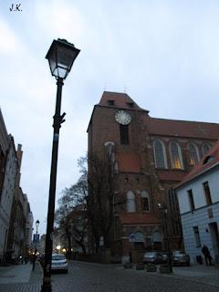 http://www.torun.pl/pl/turystyka/katedra-swietych-janow