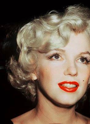 cc306241f Eu, como menina, acreditava que era apenas a forma como Marilyn se portava  na frente das câmeras, interpretando suas personagens da melhor forma que  podia, ...